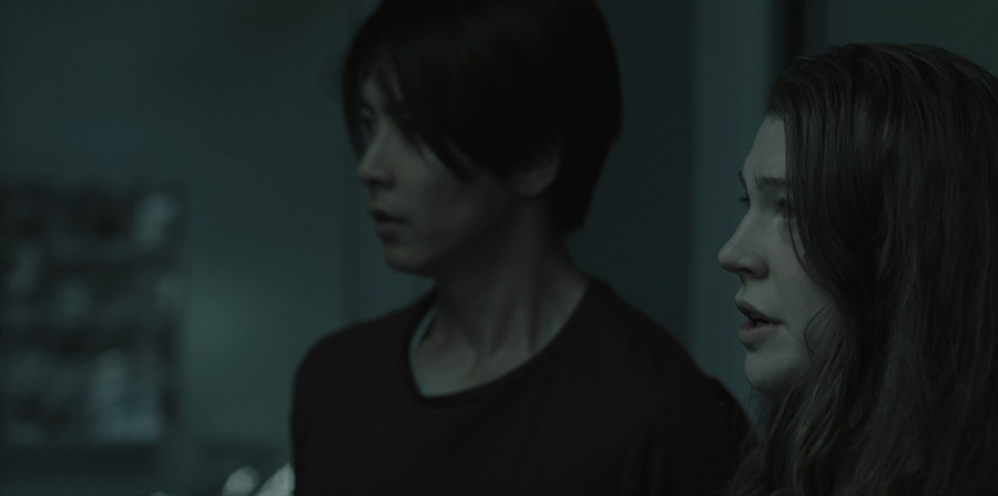 「THE HEAD」第5話のアキとマギー